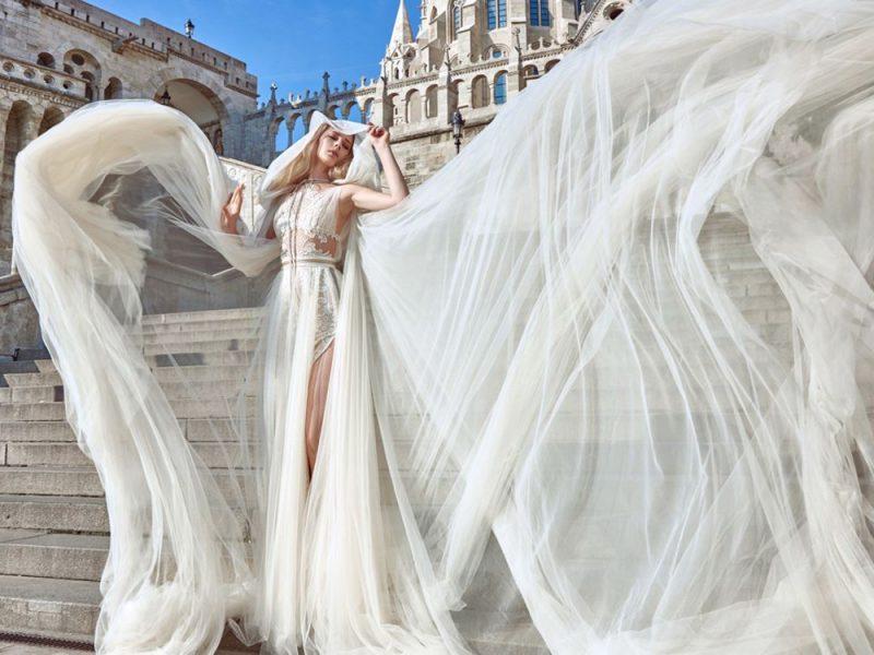 Suknia ślubna przez internet – czy warto kupić ją on-line?