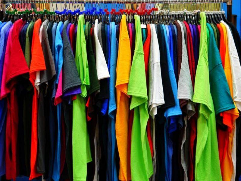 Hurtownia odzieży outlet – Jak wybrać?