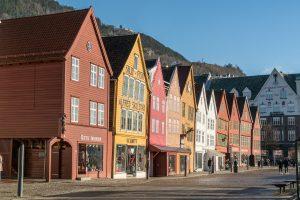 Domy drewniane całoroczne – wady i zalety