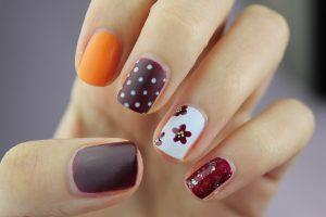 Manicure tytanowy vs manicure hybrydowy